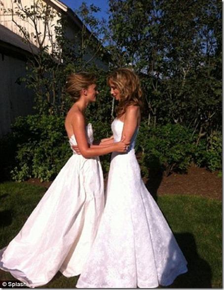 หญิง แต่ หญิง ในงานแต่งงาน